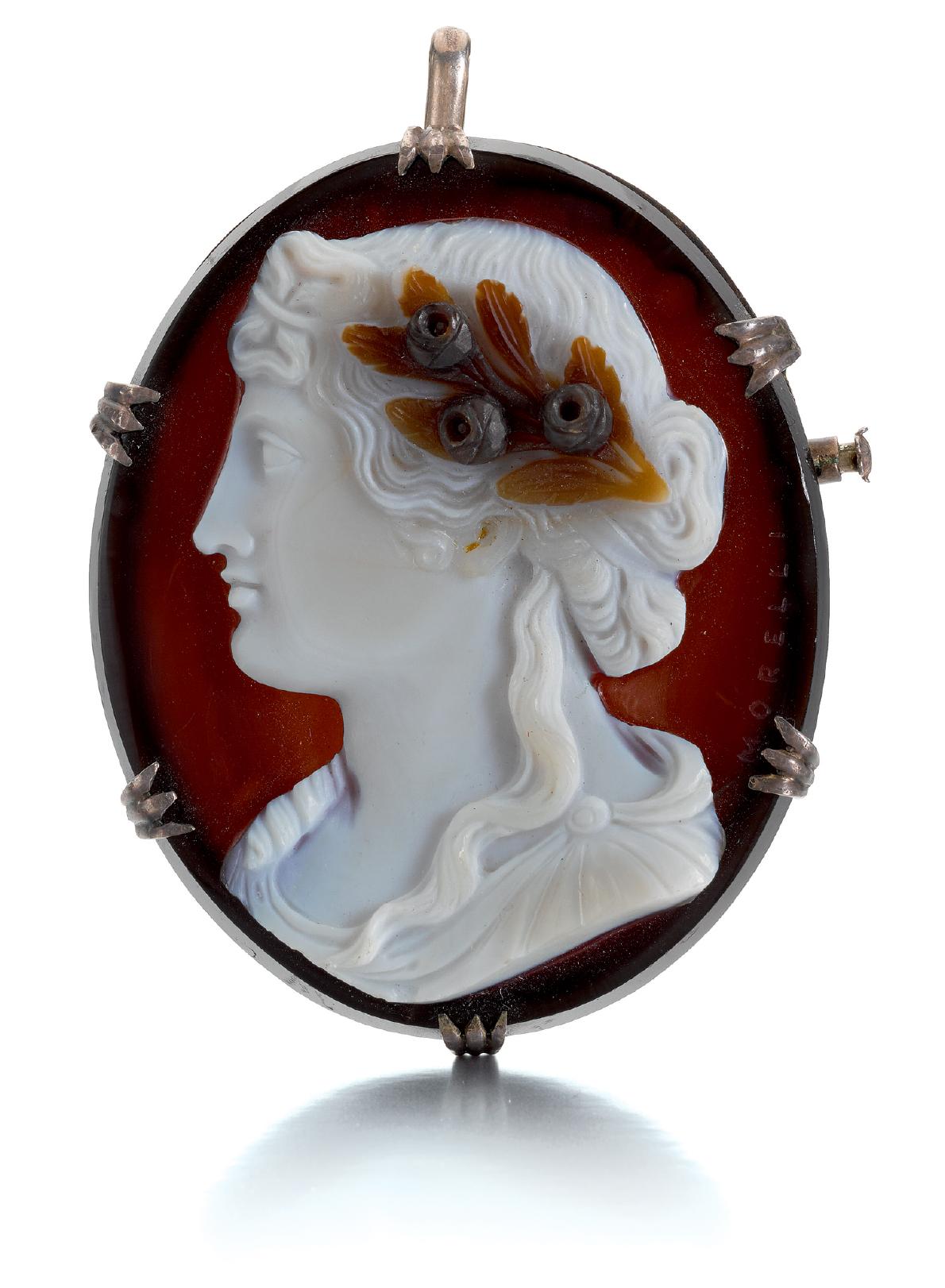 NICOLO MORELLI (1771-1838), ITALIAN, 19TH CENTURY   CAMEO WITH THE PROFILE OF A WOMAN
