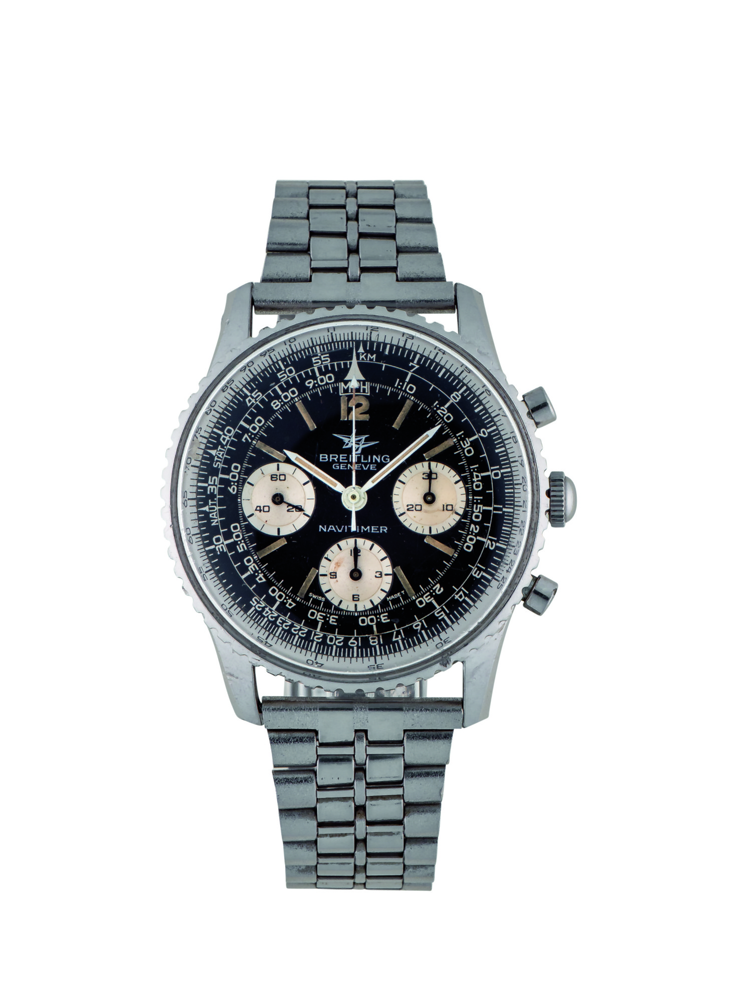BREITLING   NAVITIMER, REF 806 STAINLESS STEEL CHRONOGRAPH WRISTWATCH WITH BRACELET CIRCA 1960