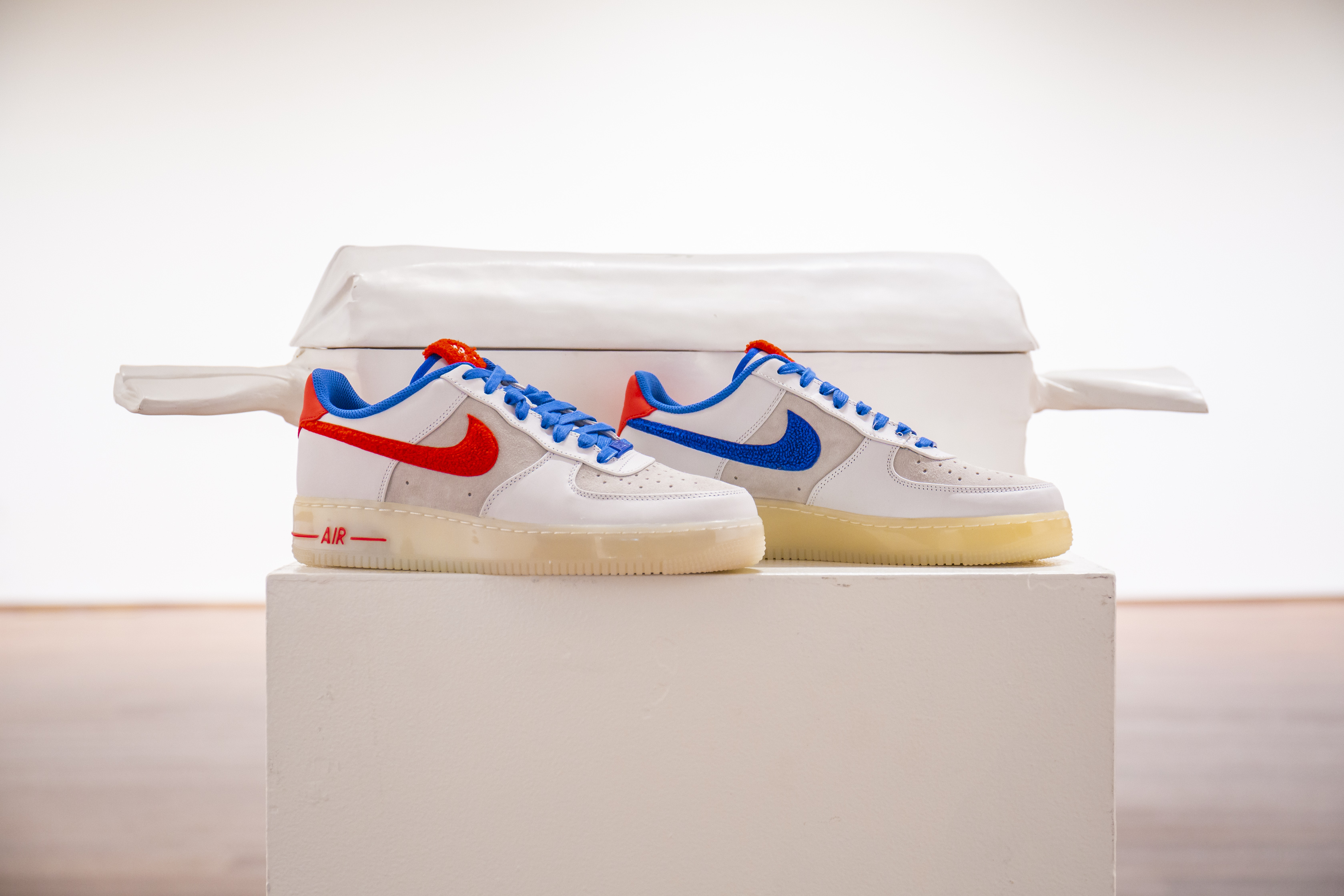 View full screen - View 1 of Lot 8212. Air Force 1 Supreme Quickstrike 'Year of the Rabbit', 2011    兔年款球鞋,2011年.