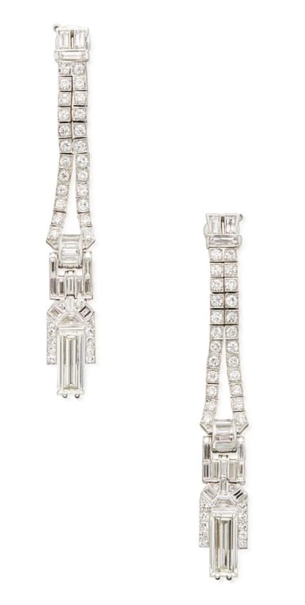 VAN CLEEF & ARPELS   PAIR OF DIAMOND PENDANT-EARCLIPS