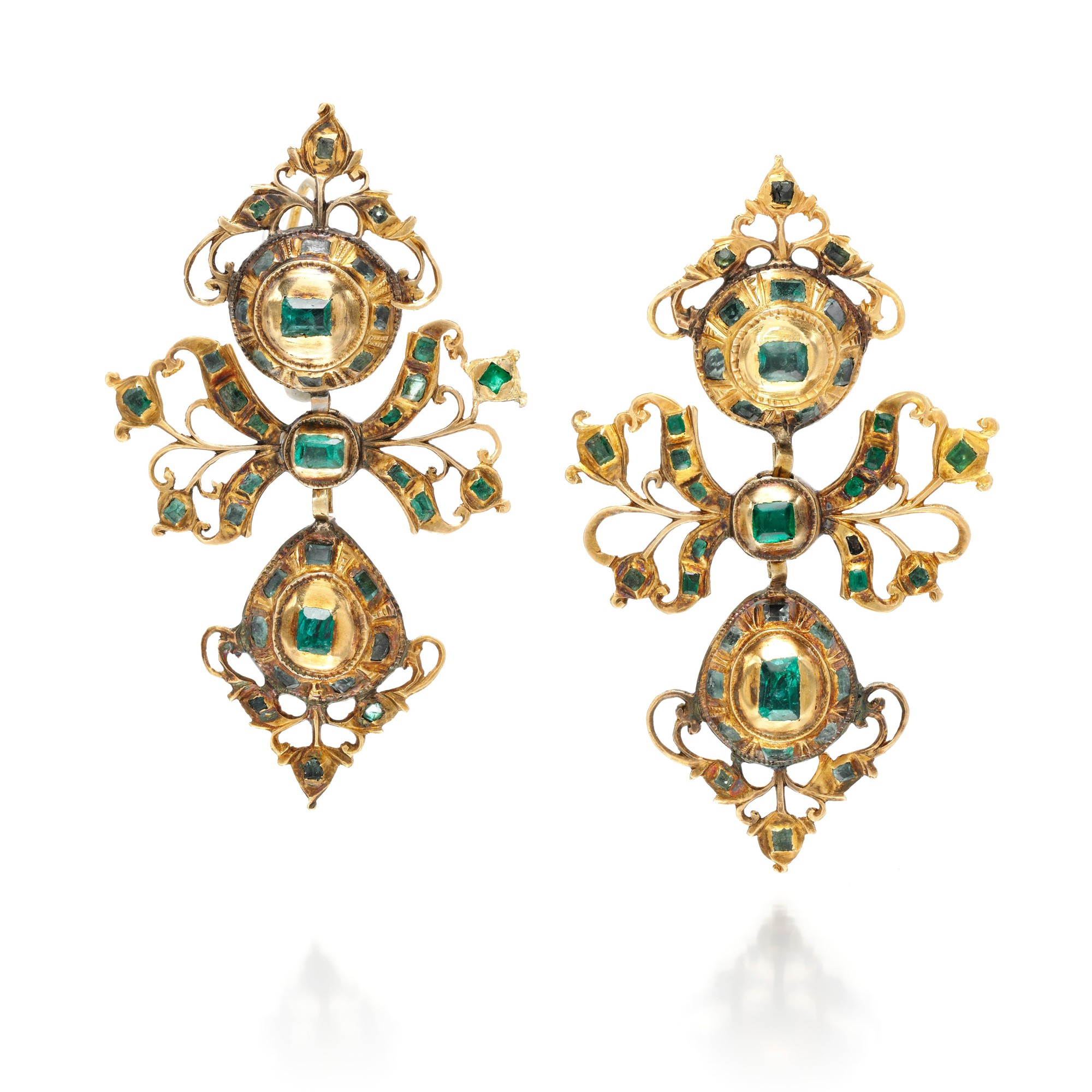 PAIR OF EMERALD EARRINGS, LATE 18TH CENTURY