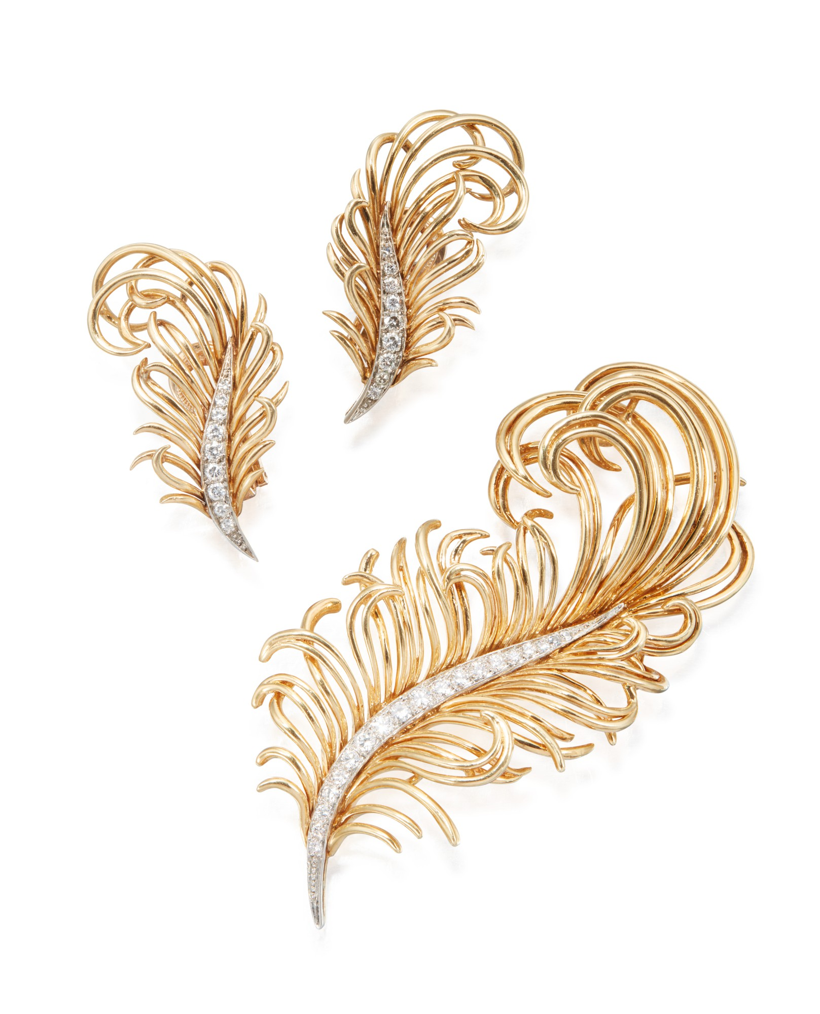 GOLD AND DIAMOND BROOCH AND PAIR OF EARCLIPS, TIFFANY & CO.