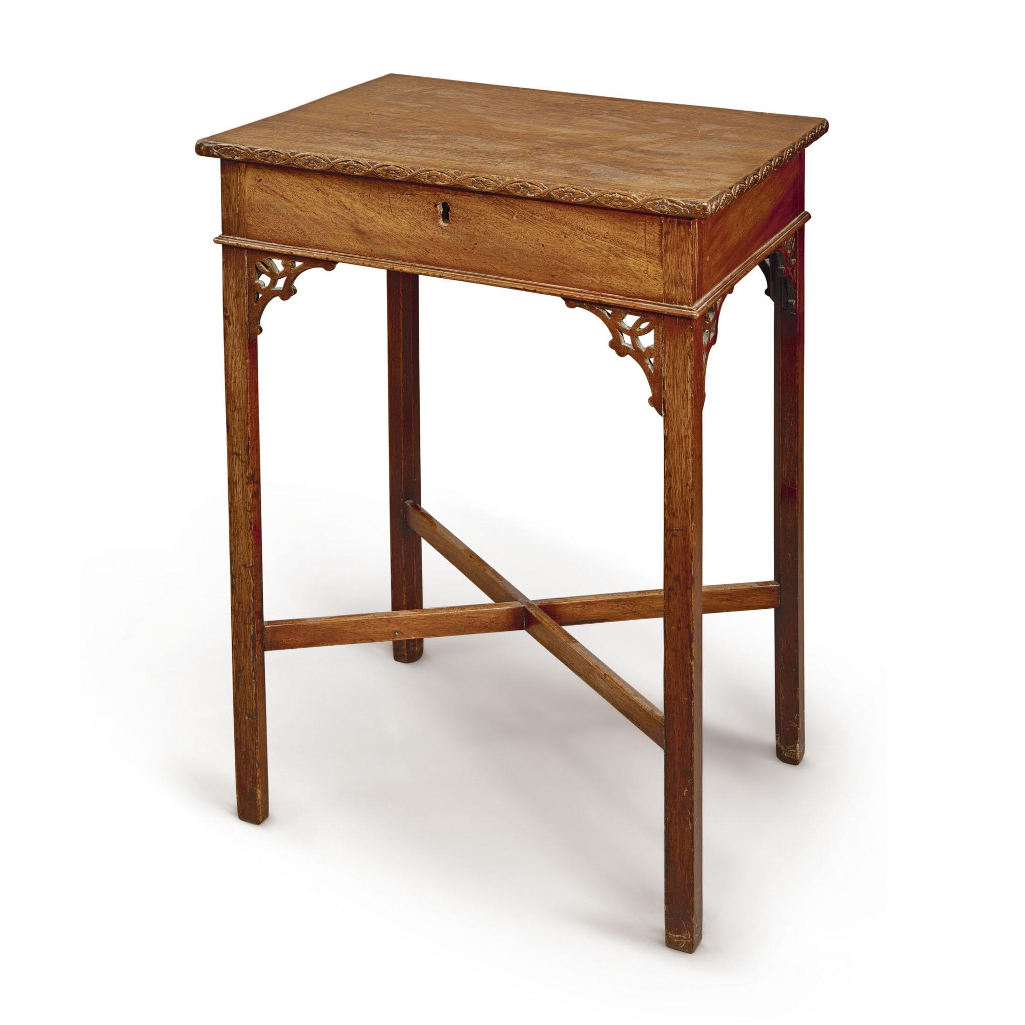 A GEORGE III MAHOGANY SIDE TABLE, THIRD QUARTER 18TH CENTURY