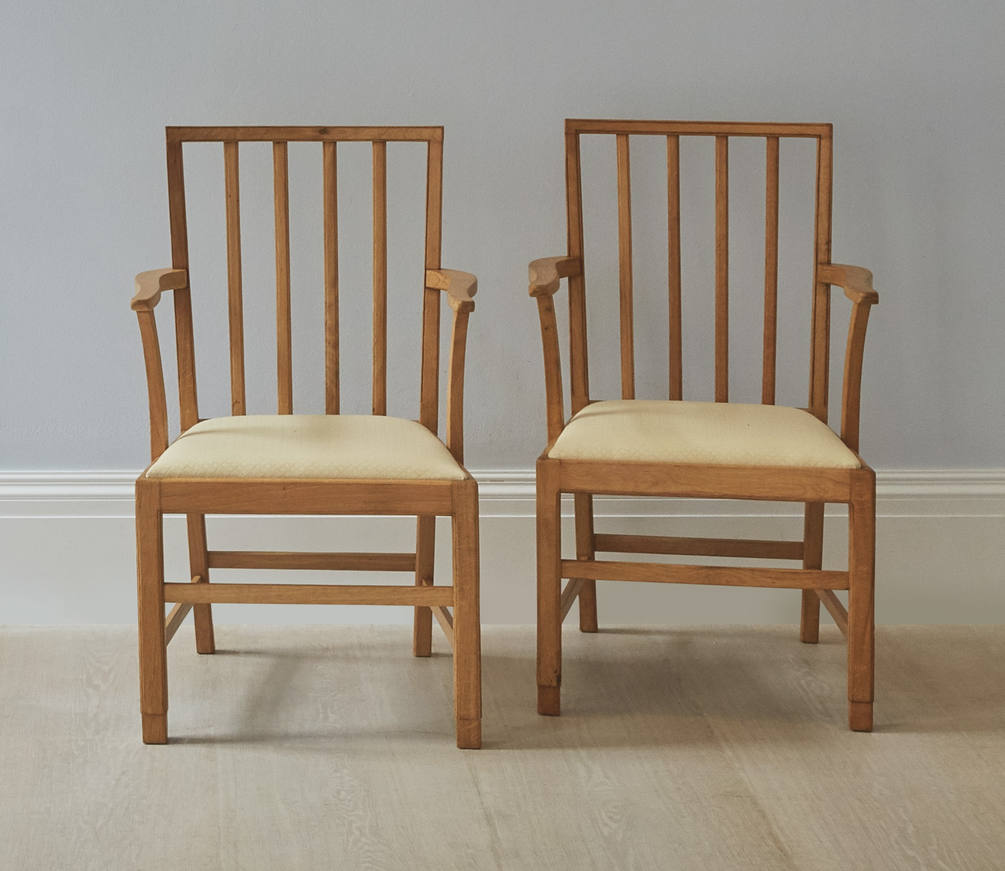 EDWARD BARNSLEY | SET OF SIX CHAIRS AND TWO ARMCHAIRS