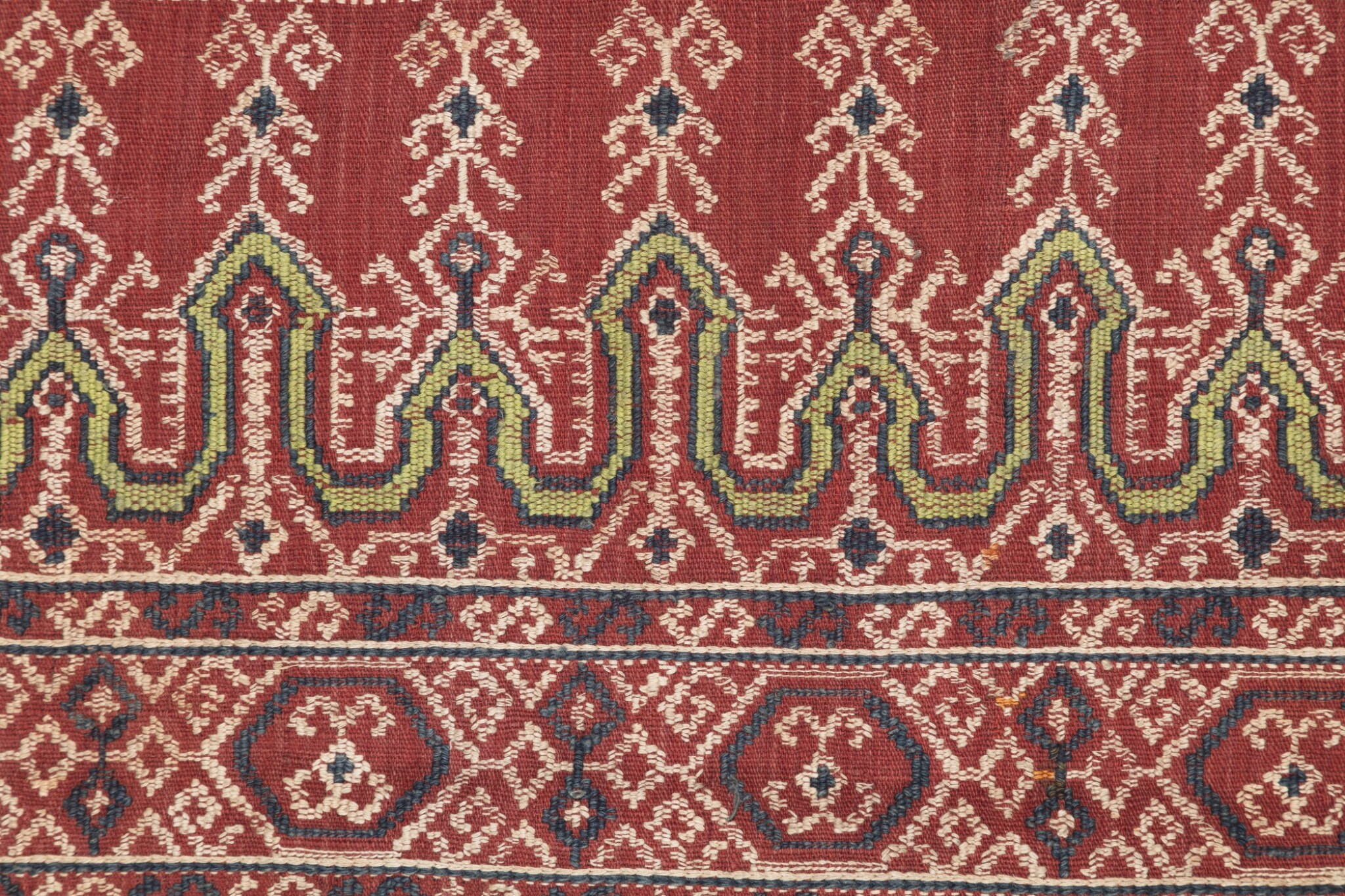 View full screen - View 1 of Lot 50. Tissu cérémoniel pua, Iban, Borneo, Indonesia, début du 20e siècle | Sacred ceremonial cloth pua, Iban, Borneo, Indonesia, early 20th century.