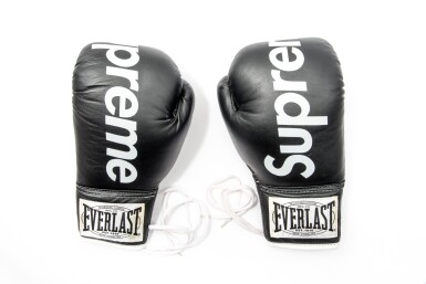 View 1. Thumbnail of Lot 4. SUPREME EVERLAST BOXING GLOVES BLACK.