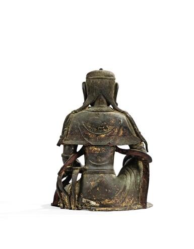 View 8. Thumbnail of Lot 14. IMPORTANTE ET TRÈS RARE PAIRE DE STATUETTES DE BODHISATTVA EN BRONZE PARTIELLEMENT DORÉ XIVE SIÈCLE | 十四世紀 鎏金銅菩蕯坐像一對 連   清十八世紀 漆金木雕須彌座一對| An important and very rare pair of parcel-gilt bronze figures of Bodhisattva, 14th century; together with a pair of lacquer-gilt thrones, Qing Dynasty, 18th century.