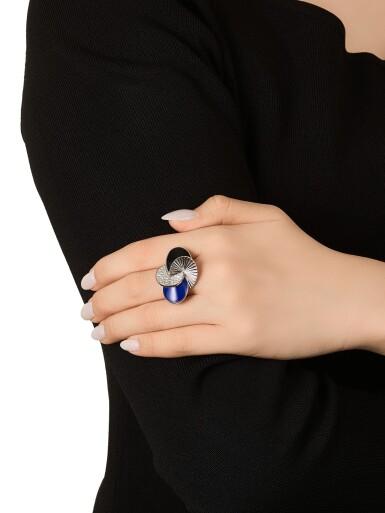 View 3. Thumbnail of Lot 1668. Lapis Lazuli, Onyx and Diamond Ring | 卡地亞 | 青金石 配 縞瑪瑙 及 鑽石 戒指.