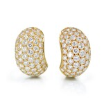 VAN CLEEF & ARPELS | PAIR OF GOLD AND DIAMOND EARCLIPS