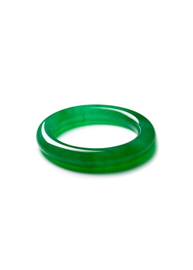View 1. Thumbnail of Lot 1661. A VERY RARE AND IMPORTANT JADEITE BANGLE | 彌足珍品 天然翡翠滿色手鐲.
