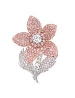 GRAFF   COLORED DIAMOND AND DIAMOND BROOCH 格拉夫   彩色鑽石配鑽石別針