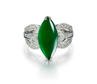 JADEITE AND DIAMOND RING   天然翡翠 配 鑽石 戒指
