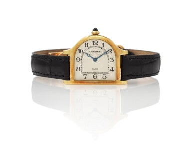 CLOCHE LIMITED EDITION YELLOW GOLD BELL-SHAPED WRISTWATCH (OROLOGIO DA POLSO IN ORO GIALLO MODELLO 'CLOCHE' IN EDIZIONE LIMITATA) CIRCA 1990 | CARTIER, PARIS