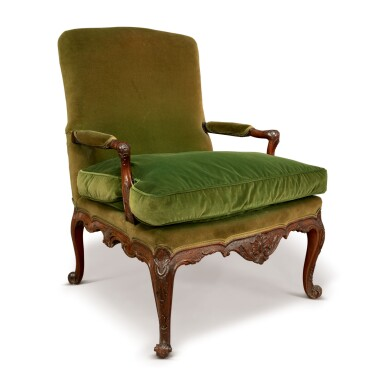 A GEORGE II MAHOGANY LIBRARY ARMCHAIR IN THE MANNER OF WRIGHT AND ELWICK, CIRCA 1755