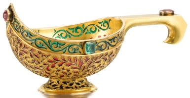 A RARE GOLD AND PLIQUE-À-JOUR ENAMEL KOVSH, ALEXANDER TREIDEN FOR HAHN, SAINT PETERSBURG, CIRCA 1895