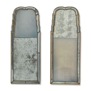 A PAIR OF QUEEN ANNE GILTWOOD MIRRORS, ONE CIRCA 1710, THE OTHER 20TH CENTURY