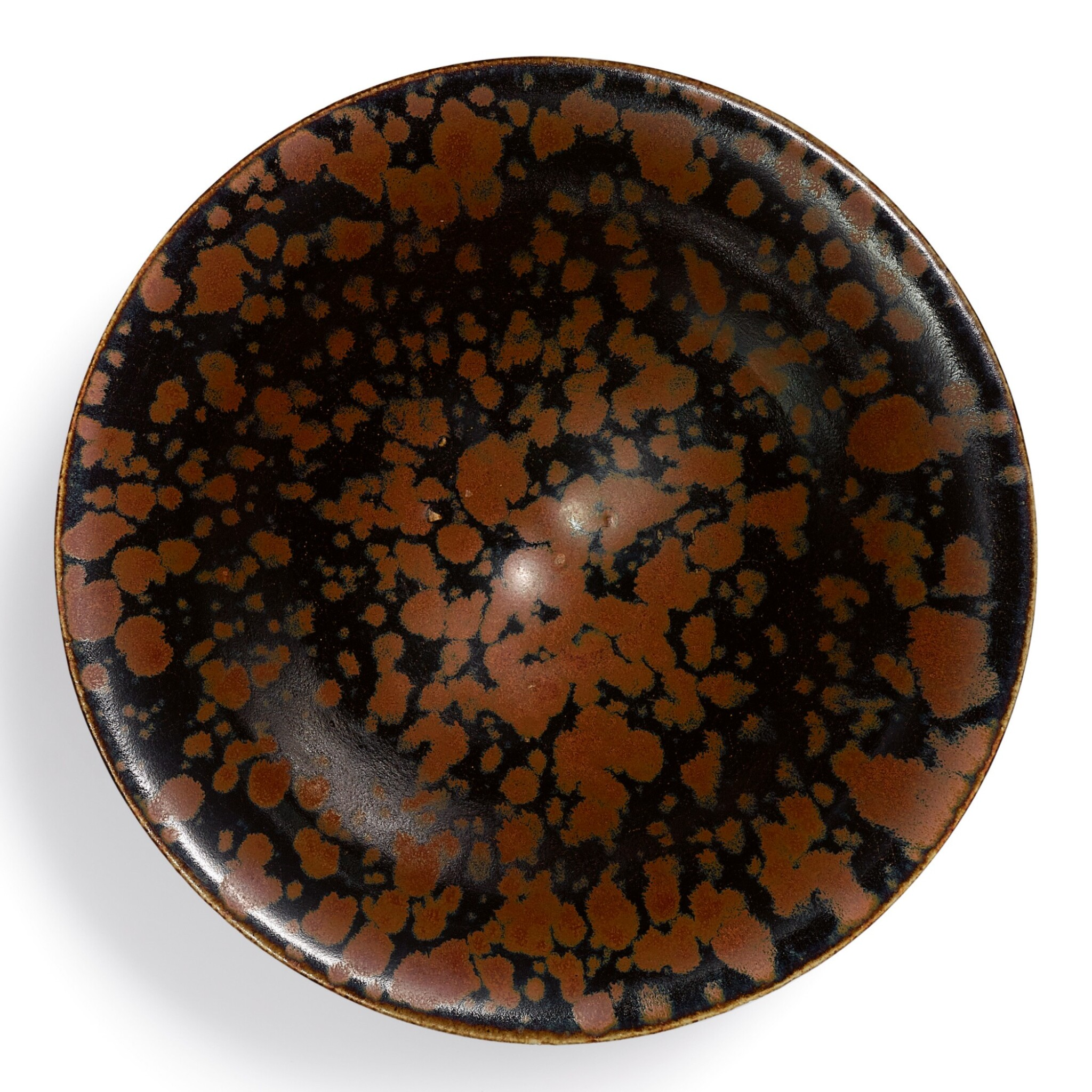 View full screen - View 1 of Lot 2.  A SUPERB AND RARE CIZHOU RUSSET-SPLASHED BLACK-GLAZED 'PARTRIDGE FEATHER' BOWL  NORTHERN SONG DYNASTY   北宋 磁州窰鷓鴣斑斗笠盞.