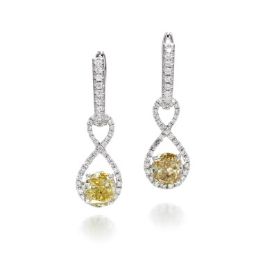PAIR OF FANCY YELLOW AND FANCY BROWNISH YELLOW DIAMOND EARRINGS