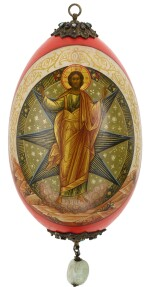 A RARE JEWELLED LACQUER EASTER EGG WITH SCENES OF THE TRANSFIGURATION, NIKOLAI EMILIANOV, PROBABLY MOSCOW, 1913
