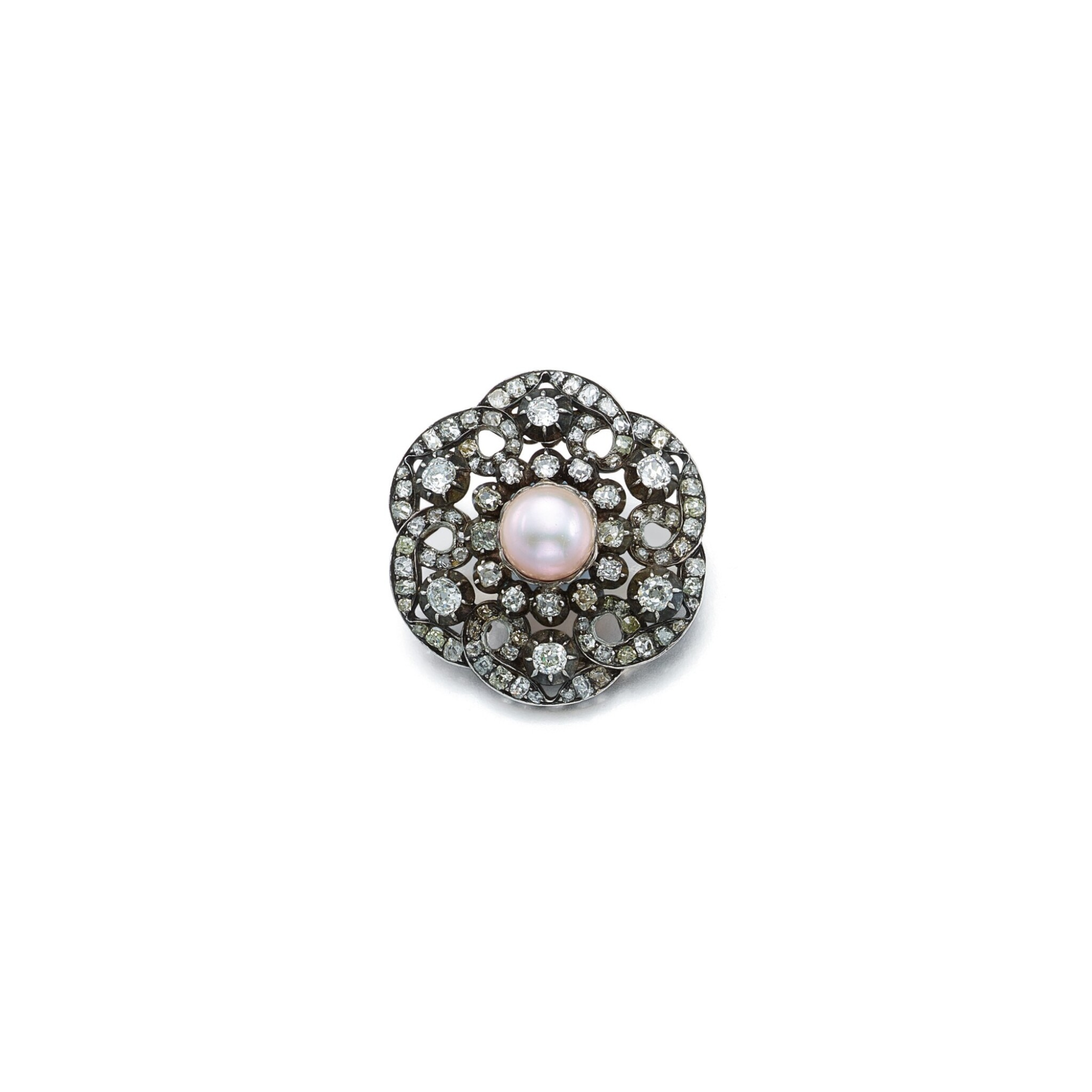 View full screen - View 1 of Lot 1673. DIAMOND AND PEARL BROOCH   鑽石 配 珍珠 別針   .