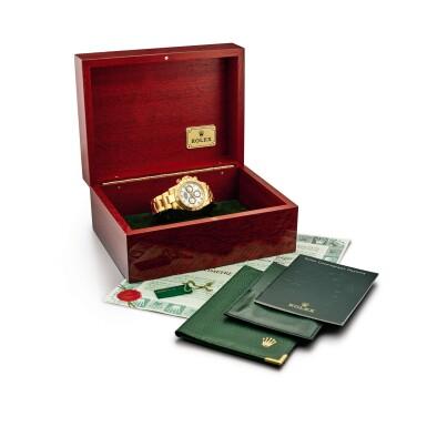 View 5. Thumbnail of Lot 2150. Rolex | Cosmograph Daytona, Reference 116528, A yellow gold chronograph wristwatch with bracelet, Circa 2000 | 勞力士 | Cosmograph Daytona 型號116528  黃金計時鏈帶腕錶,約2000年製.