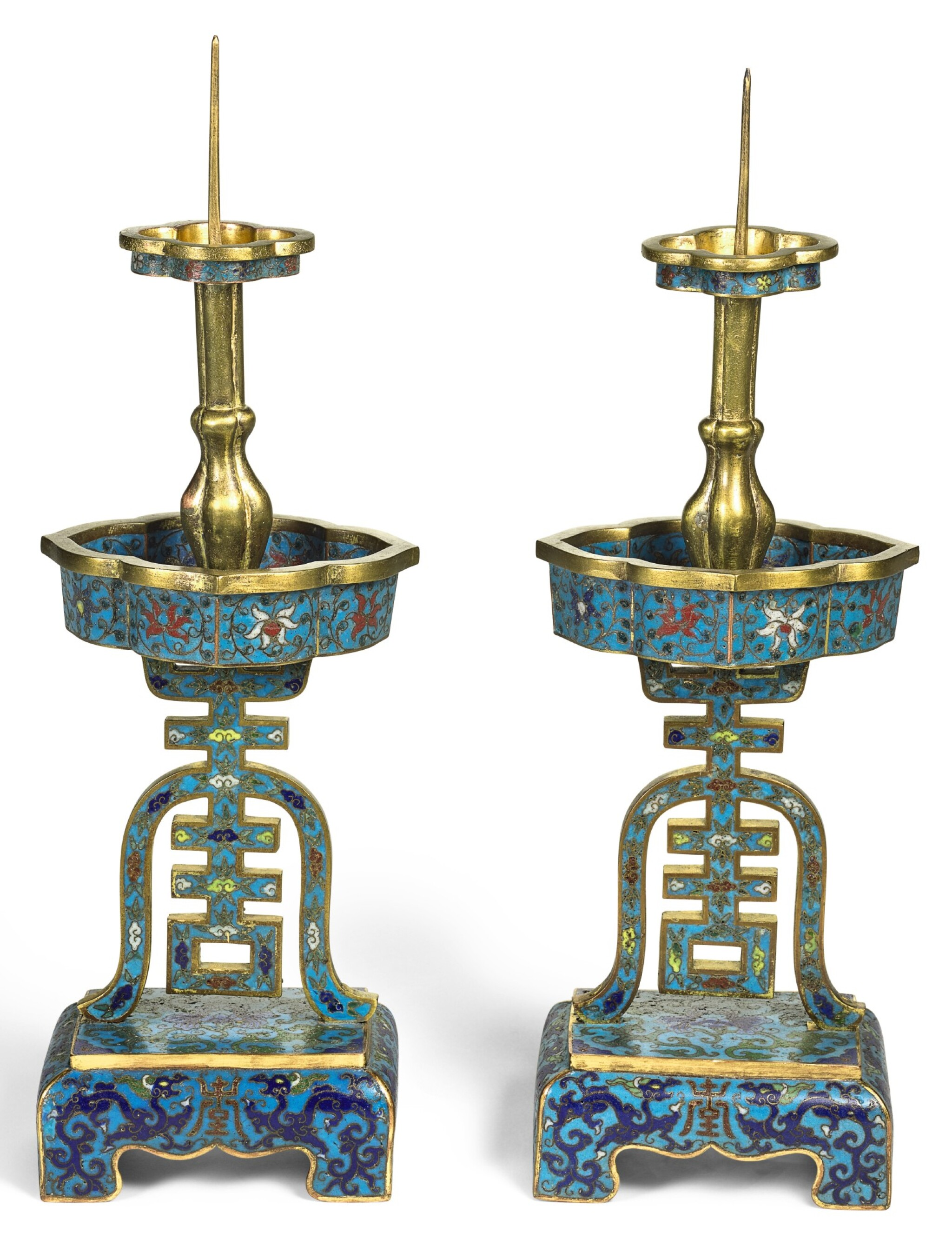 View full screen - View 1 of Lot 360. A PAIR OF CLOISONNE ENAMEL 'SHOU' CANDLESTICKS, QING DYNASTY, 17TH CENTURY | 清十七世紀 掐絲琺琅雙龍捧壽紋燭臺一對.