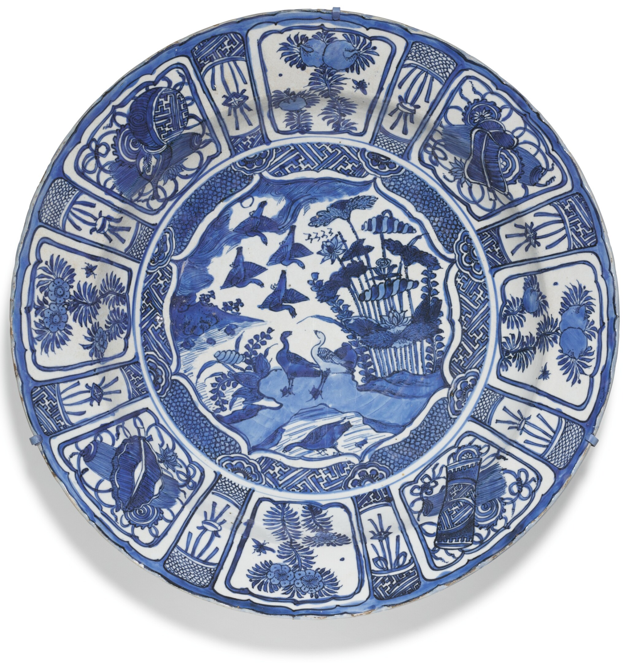 View full screen - View 1 of Lot 12.  A LARGE BLUE AND WHITE 'KRAAK' DISH MING DYNASTY, WANLI PERIOD.