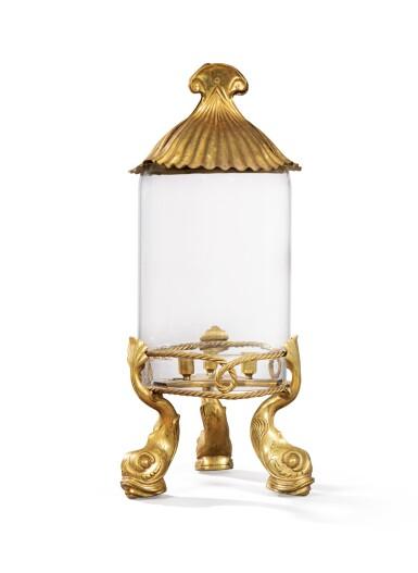 A LARGE GLASS, GILT-BRONZE AND GILT-METAL CANDLE JAR, 20TH CENTURY, ATTRIBUTED TO MAISON JANSEN [GRAND PHOTOPHORE EN VERRE, BRONZE ET MÉTAL DORÉS , XXE SIÈCLE, ATTRIBUÉ À LA MAISON JANSEN]