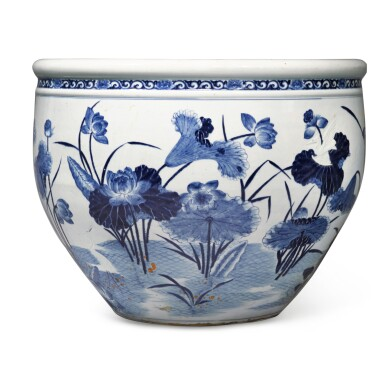 View 2. Thumbnail of Lot 78. A large blue and white 'lotus pond' jardinière, Qing dynasty, 18th century | 清十八世紀 青花浮雕路路連科圖大缸.