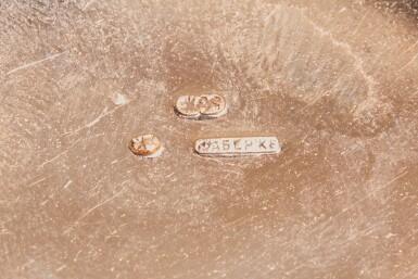 View 4. Thumbnail of Lot 105. A RARE FABERGÉ THREE-COLOUR GOLD BEAKER, WORKMASTER ERIK KOLLIN, ST PETERSBURG, CIRCA 1885.