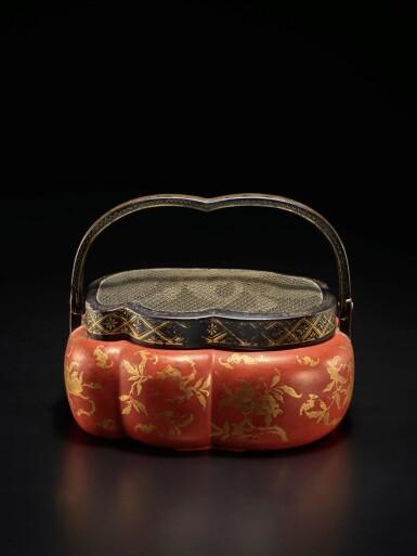 View 2. Thumbnail of Lot 220. A rare red and gilt-lacquer handwarmer, Qing dynasty, 18th / 19th century | 清十八 / 十九世紀 朱漆描金福壽雙全紋手爐.