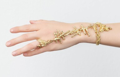 GOLD HAND ORNAMENT | CHAUMET, 1970S