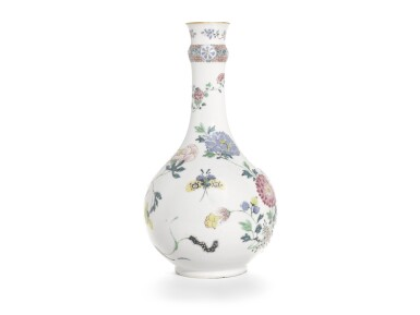 A PAIR OF FAMILLE-ROSE GUGLET VASES | QING DYNASTY, 19TH CENTURY [TWO ITEMS]