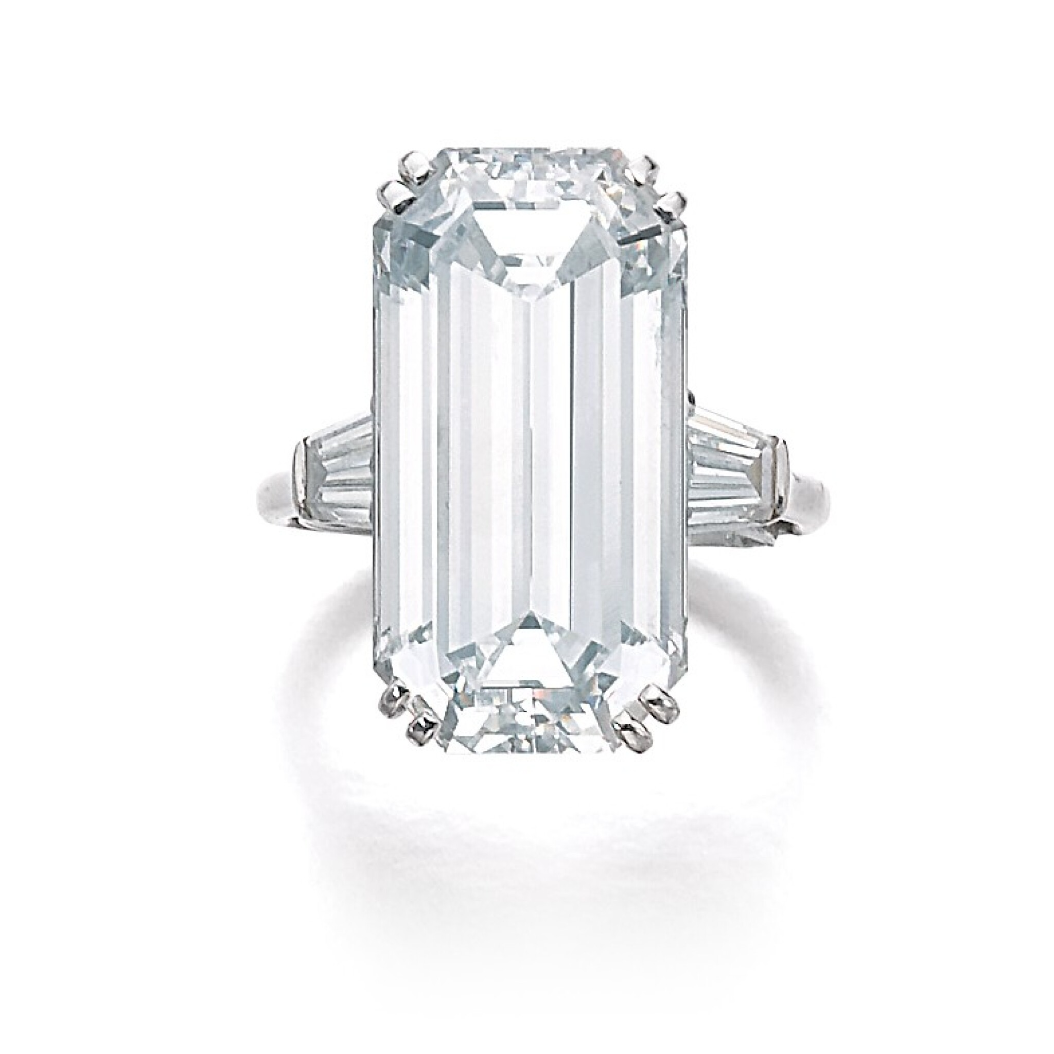 View full screen - View 1 of Lot 200. HARRY WINSTON [海瑞溫斯頓]   FINE DIAMOND RING, 1968 [鑽石戒指,1968年].