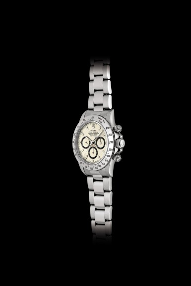 View 5. Thumbnail of Lot 2152. Rolex | Cosmograph Daytona, Reference 16520, A highly unusual stainless steel chronograph wristwatch with highly unusual dial and bracelet, Circa 1995 | 勞力士 | Cosmograph Daytona 型號16520  非常罕有精鋼計時鏈帶腕錶,備罕有錶盤,約1995年製.