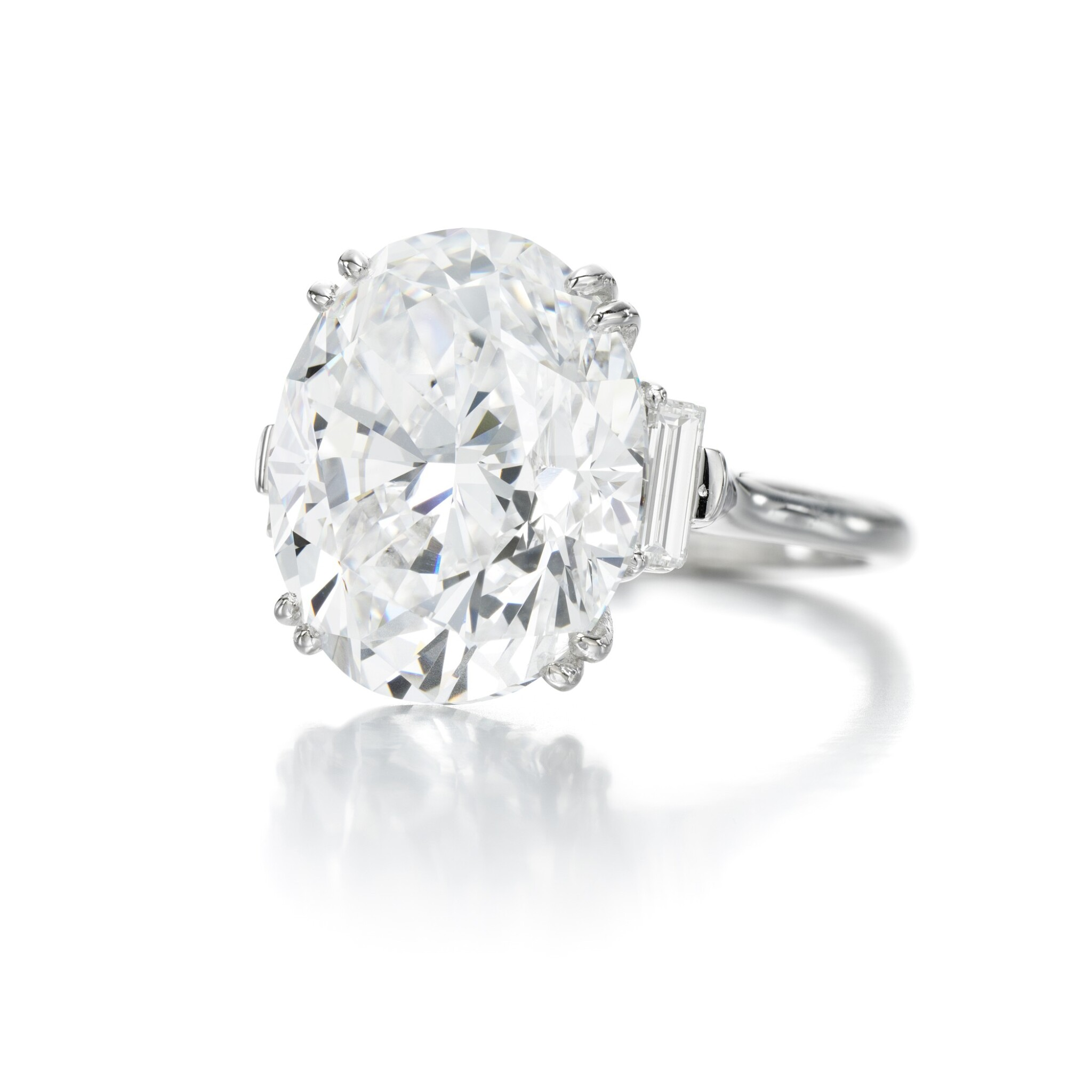 View full screen - View 1 of Lot 9. FINE DIAMOND RING.