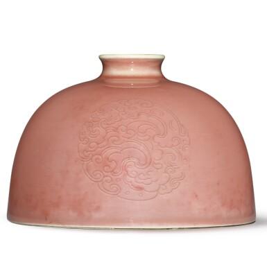 View 2. Thumbnail of Lot 136. A peachbloom-glazed 'beehive' waterpot, Kangxi mark and period   清康熙 豇豆紅釉團龍紋太白尊  《大清康熙年製》款.