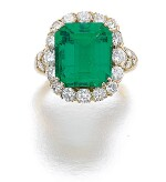 ATTRIBUTED TO VAN CLEEF & ARPELS | EMERALD AND DIAMOND RING