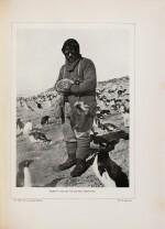 SHACKLETON. Au cœur de l'Antarctique... Hachette, 1910. In-8. Reliure de Petitot. Première édition française.