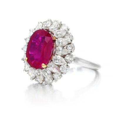 View 3. Thumbnail of Lot 663. Ruby and diamond ring | 紅寶石配鑽石戒指.