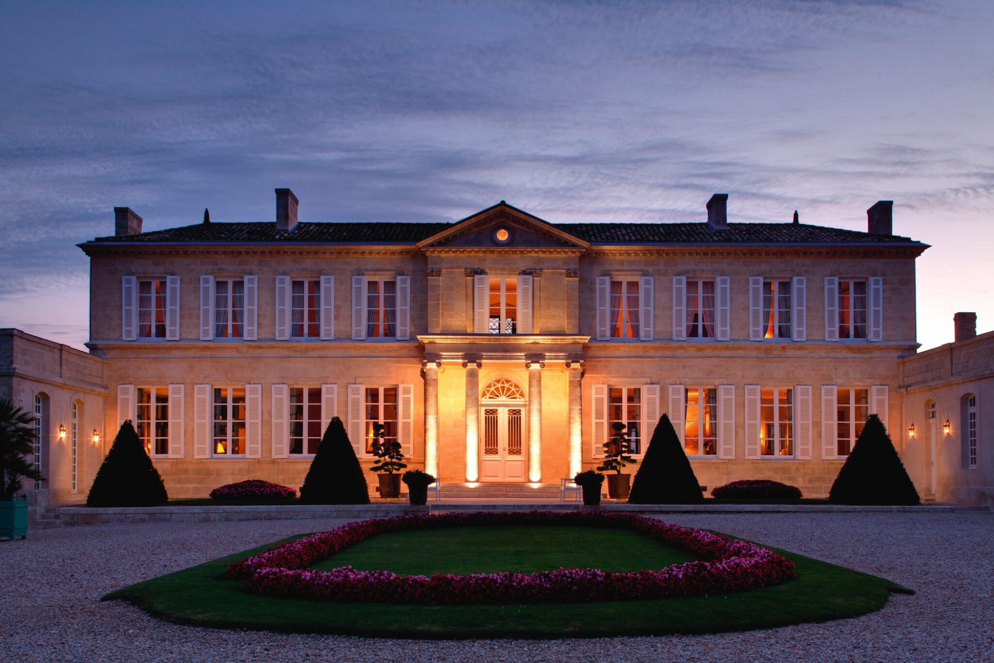 BRANAIRE DUCRU WINE & STAY: 1 X 5 LITRE BRANAIRE DUCRU 1989, WITH TASTING, DINNER & OVERNIGHT STAY AT THE CHÂTEAU