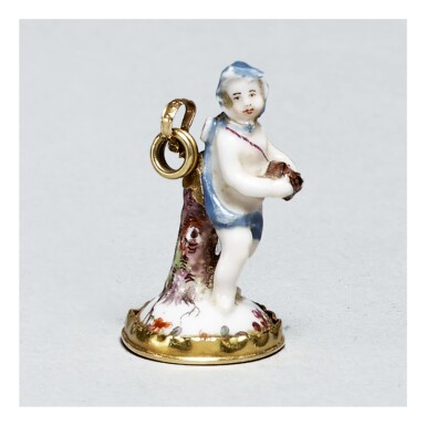A ST. JAMES'S (CHARLES GOUYN) OR CHELSEA PORCELAIN MOUNTED SEAL CIRCA 1749-60