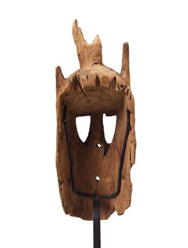 View 4. Thumbnail of Lot 14. Masque walu, Dogon, Mali   Dogon walu mask, Mali.