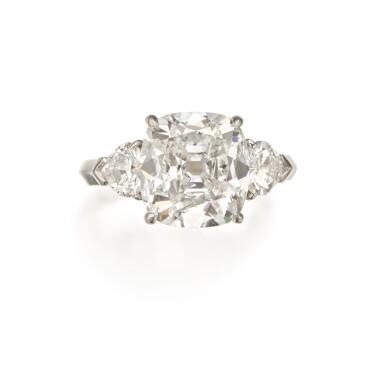 View 1. Thumbnail of Lot 354. Diamond Ring.