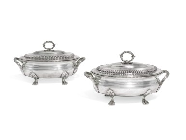 A PAIR OF GEORGE III SILVER SAUCE TUREENS AND COVERS, WILLIAM STEVENSON, LONDON, 1809