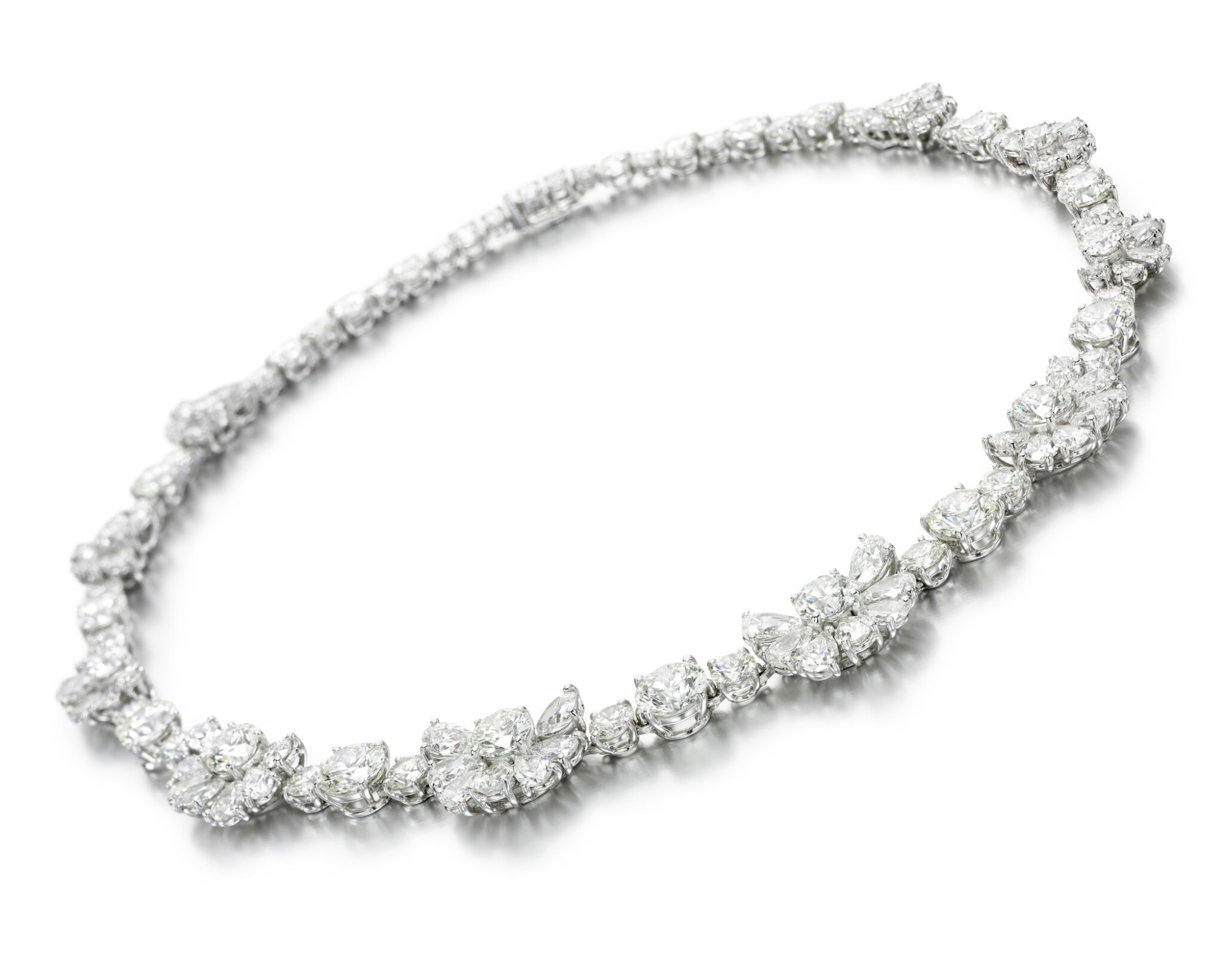 View full screen - View 1 of Lot 311. GRAFF | DIAMOND NECKLACE.