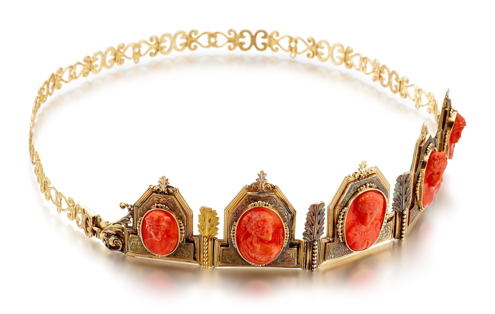 View full screen - View 1 of Lot 9001. Yellow Gold and Coral Diadem, 1845 | 黃金 配 珊瑚 皇冠, 1845年.