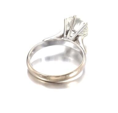 View 3. Thumbnail of Lot 686. Diamond ring | 鑽石戒指.