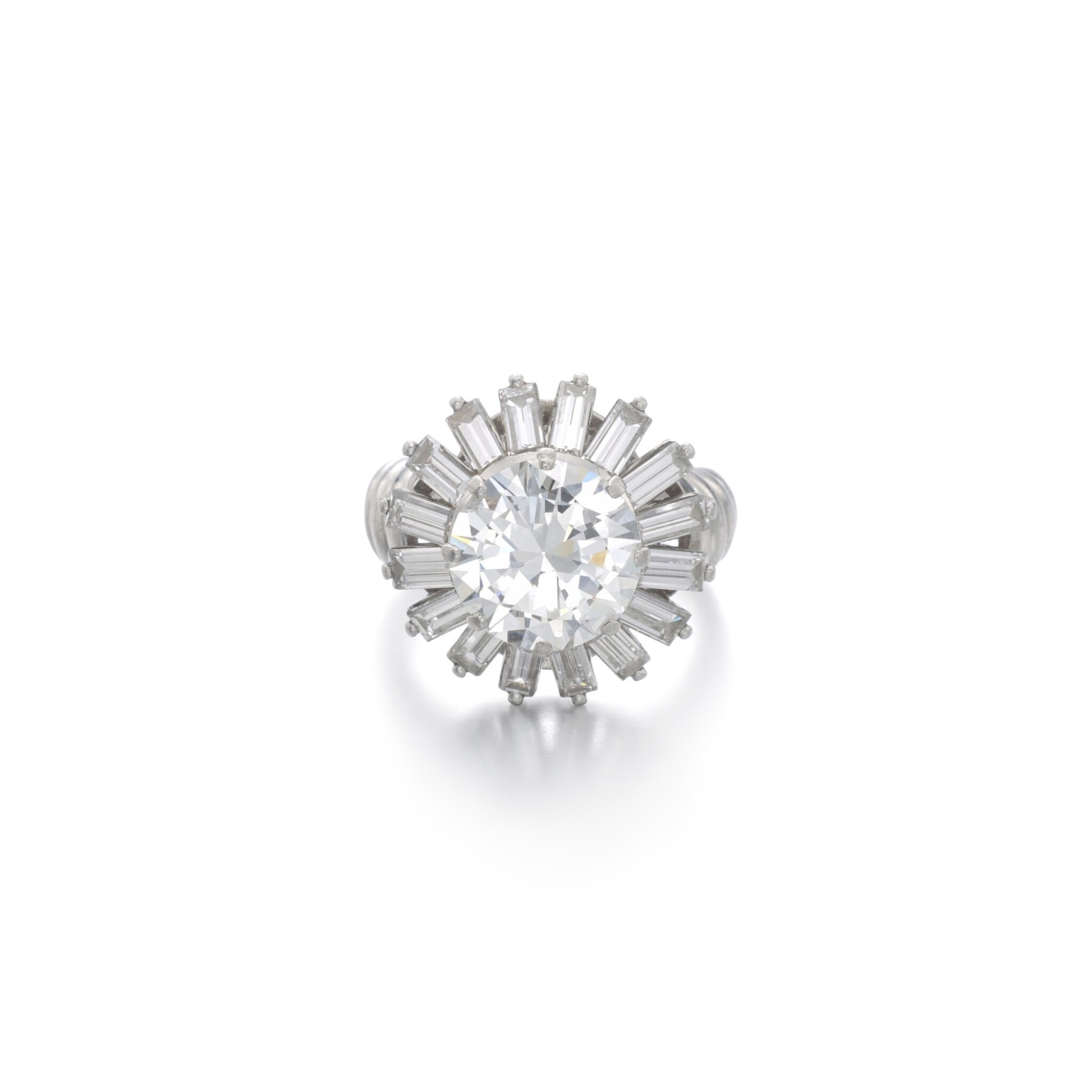 View full screen - View 1 of Lot 1170. Diamond ring.