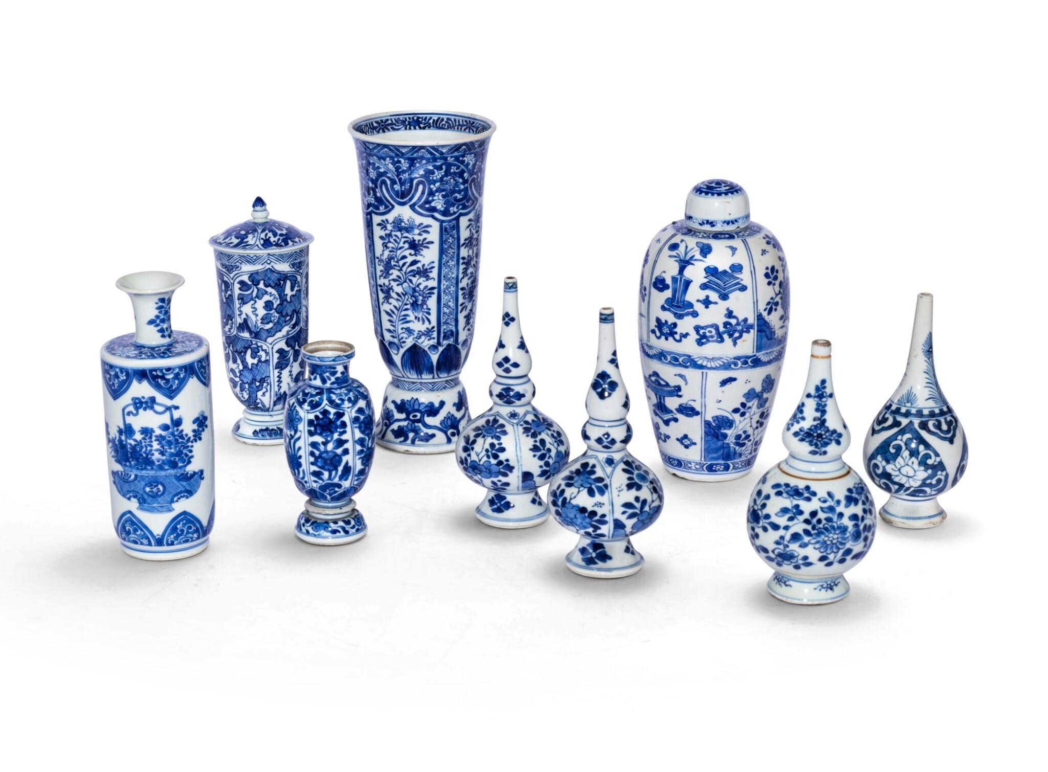 View 1 of Lot 186. Ensemble de neuf vases en porcelaine bleu blanc Dynastie Qing, XVIIIE siècle   清十八世紀 青花花瓶 一組九件   A group of nine blue and white vases, Qing Dynasty, 18th century.